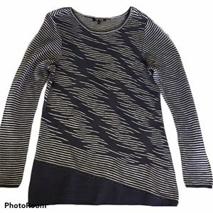 Nic + Zoe long sleeve pullover Top S